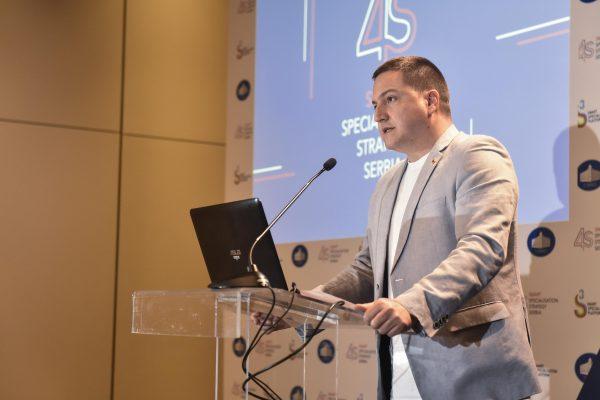 _DJT2569 4S konferencija